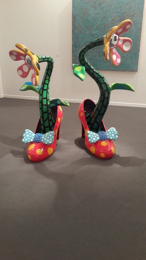 art dubai 2015 mahek punjabi article red lips high heels